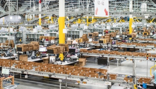 DekaBank provides financing for new Amazon logistics facility