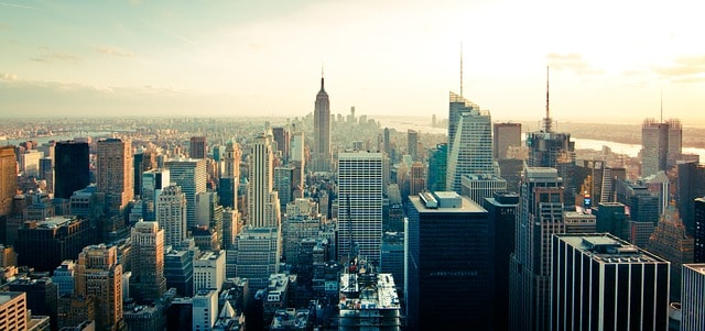 Manhattan office building sold to Swiss real estate investor