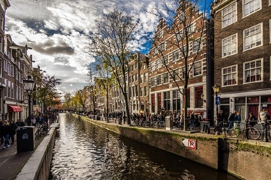 Real IS buys office building in Amsterdam for its new fund