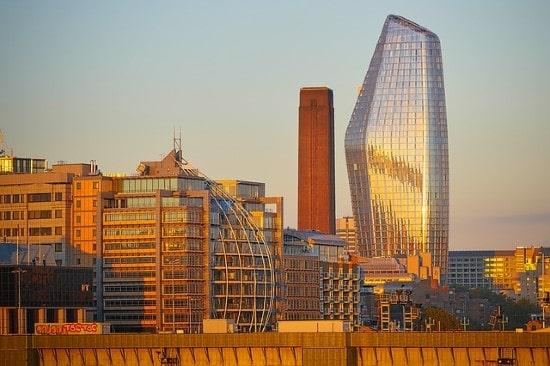UK commercial property capital values fall 3% in March, says CBRE