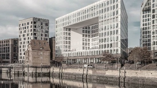 PATRIZIA sells iconic office building in Hamburg to Union Investment