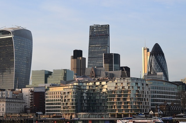 Savills : UK commercial property yields at their highest level since 2013