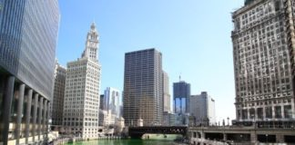 Cushman & Wakefield arranges $210m sale of trophy office tower in Chicago