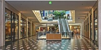 Shopping center owners in Australia provide $1.6bn rental assistance to retailers