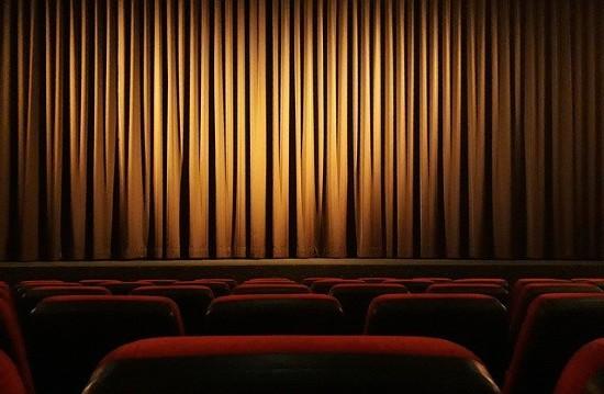 Cineworld temporarily closes all cinemas in US, UK