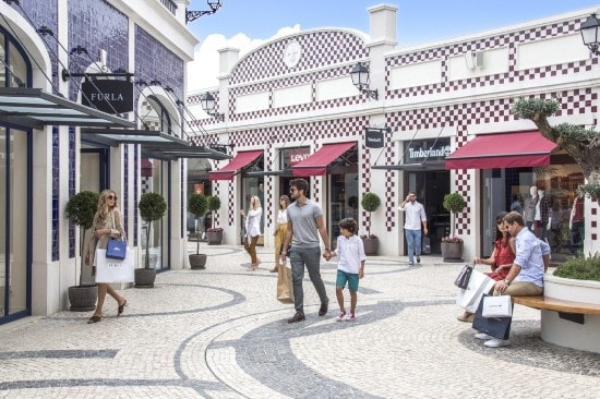 Hammerson completes sale of 50% interest in VIA Outlets for £277m