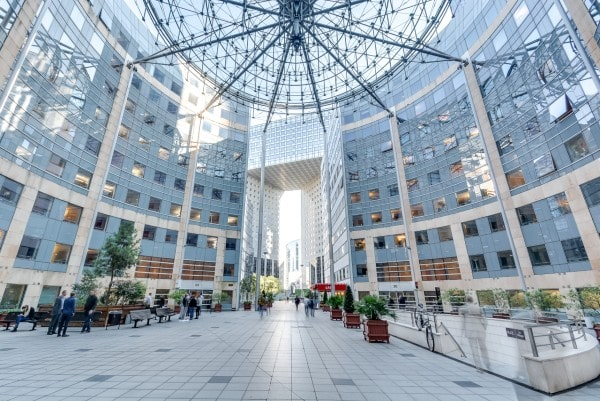 URW agrees to sell office buildings in La Défense, Paris