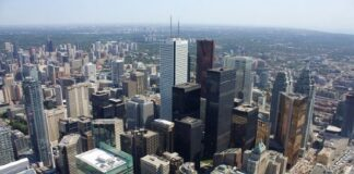 Colliers says over 1 in 10 offices in Canada were vacant in Q4 2020