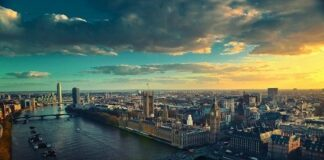 Macquarie agrees to sell London office building for over £33m