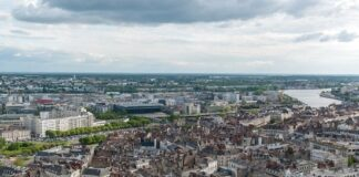 Carrefour partners with Altarea to develop urban projects
