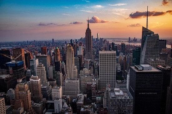 AllianceBernstein raises $900m for US commercial real estate debt fund