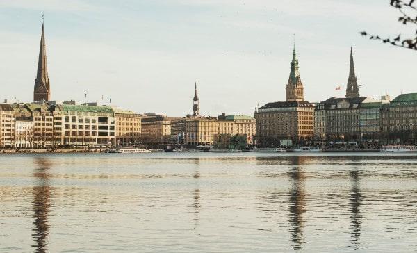 Barings sells office building in Hamburg to Aviva Investors