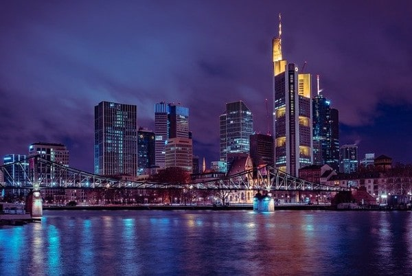 CBRE GI secures €200m from South Korea's POBA for European real estate