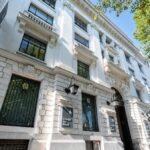 Union Investment purchases trophy office building in Paris